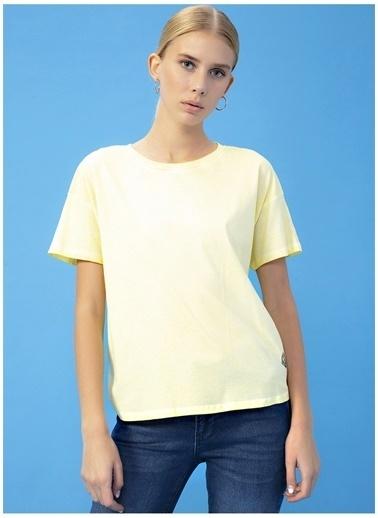 Derin Mermerci X Boyner Tişört Sarı